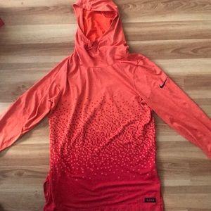 Nike DRI -FIT. Orange 🍊 size M